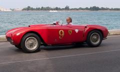 Ferrari, rot
